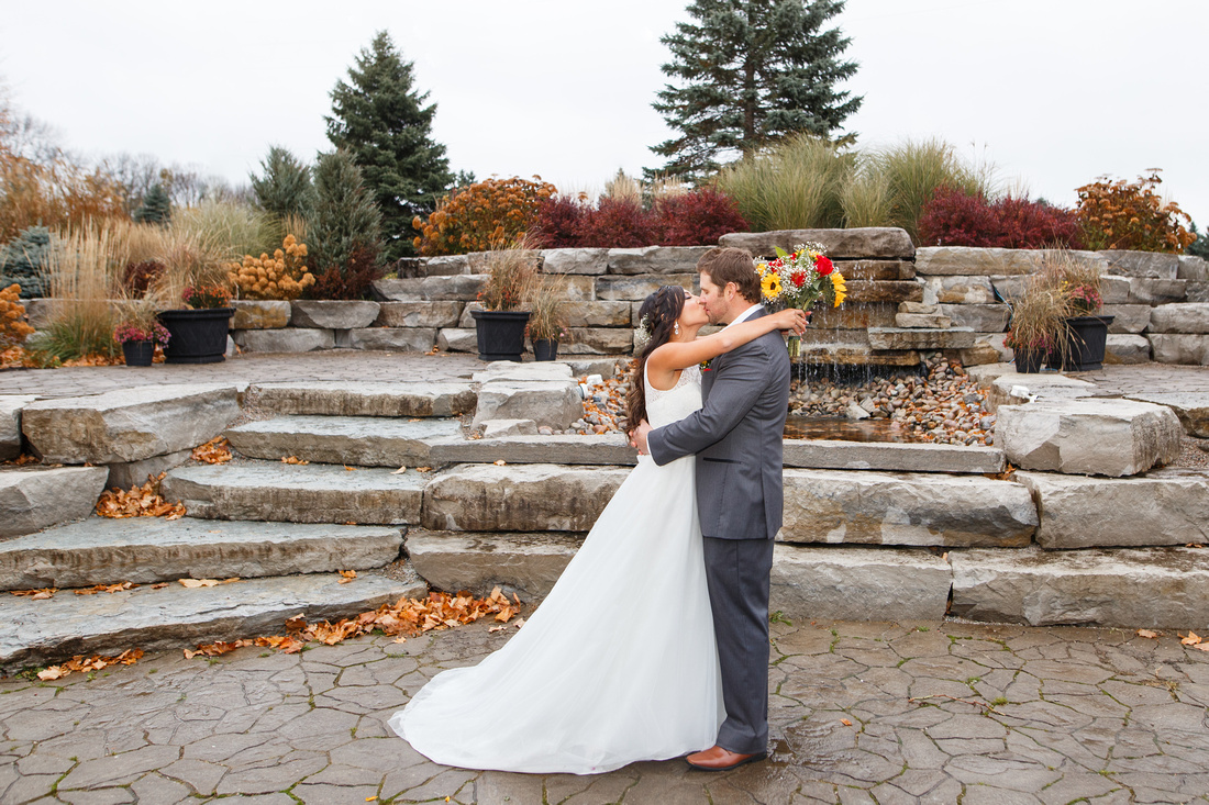 Hawk Ridge Golf & Country Club Wedding Photographer